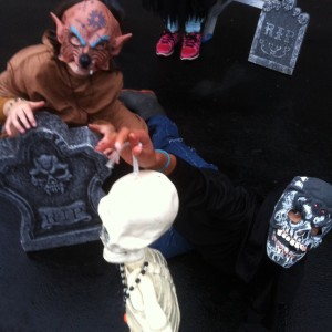 Spooky Tour Photo 2014_Leela creeper and Jenna critter